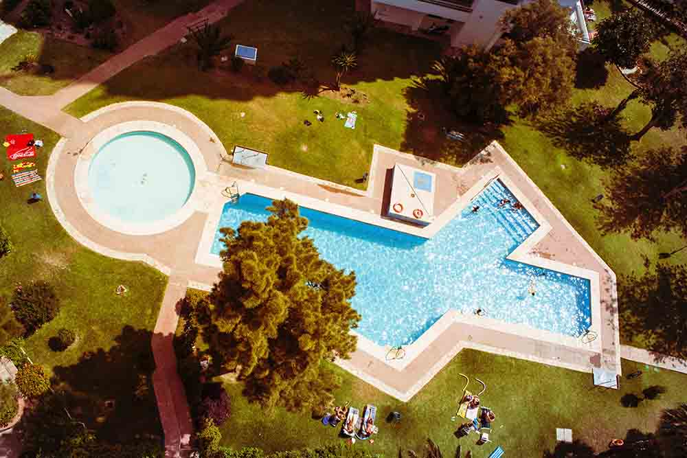 L astuce du devis pour acheter une piscine mails boulets for Devis pour piscine