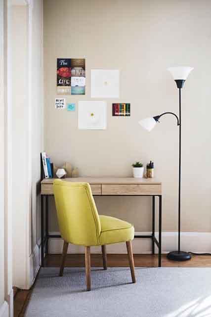 Bureau : faire un fauteuil chez un tapissier
